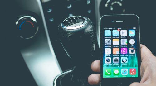 Cómo afecta WhatsApp al volante en función de la edad