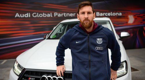 Los jugadores del Barça recogen sus Audi: triunfan los SUV