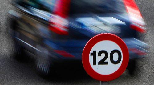 El sistema que controla la velocidad de los coches, obligatorio en 2022