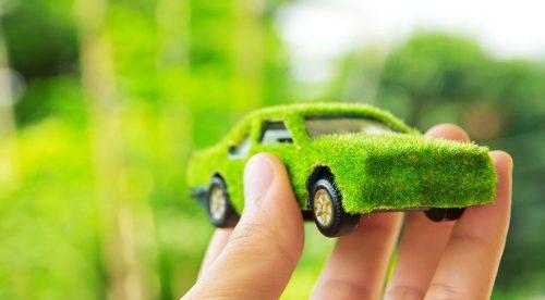 15 maneras de hacer que tu coche contamine menos