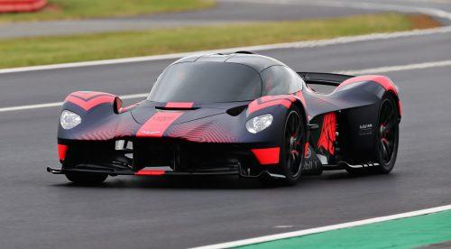 El Aston Martin Valkyrie se muestra en movimiento por primera vez
