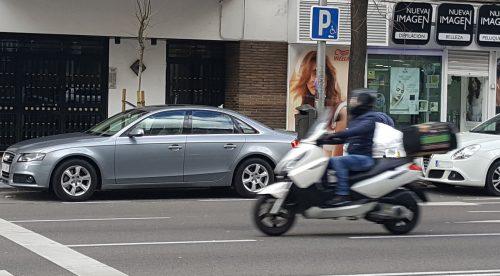 ¿Podría ser un error que el carnet de coche permita conducir motos?
