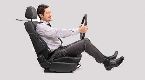 Las seis claves para saber cómo sentarse correctamente en el coche