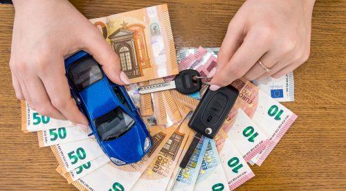 Cómo ahorrar casi 200 euros en el seguro del coche
