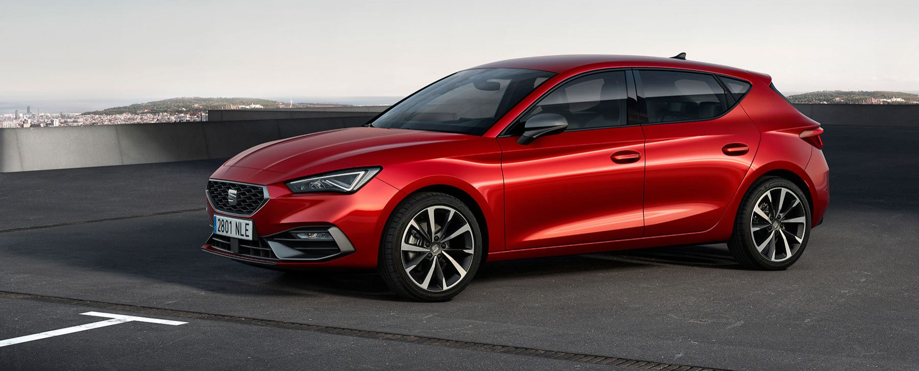 SEAT-launches-the-all-new-SEAT-Leon_02_HQ-1800x728.jpg