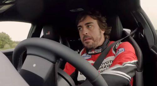 Fernando Alonso exprime el radical Toyota Yaris GR en Estoril