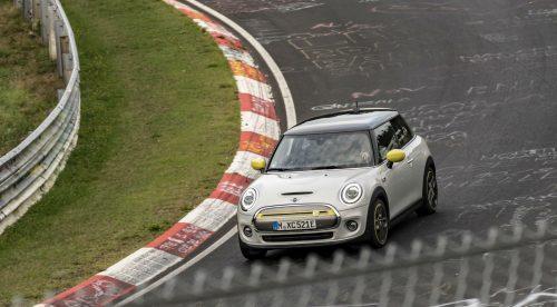 ¿Se puede rodar en un circuito de carreras sin pisar el freno?