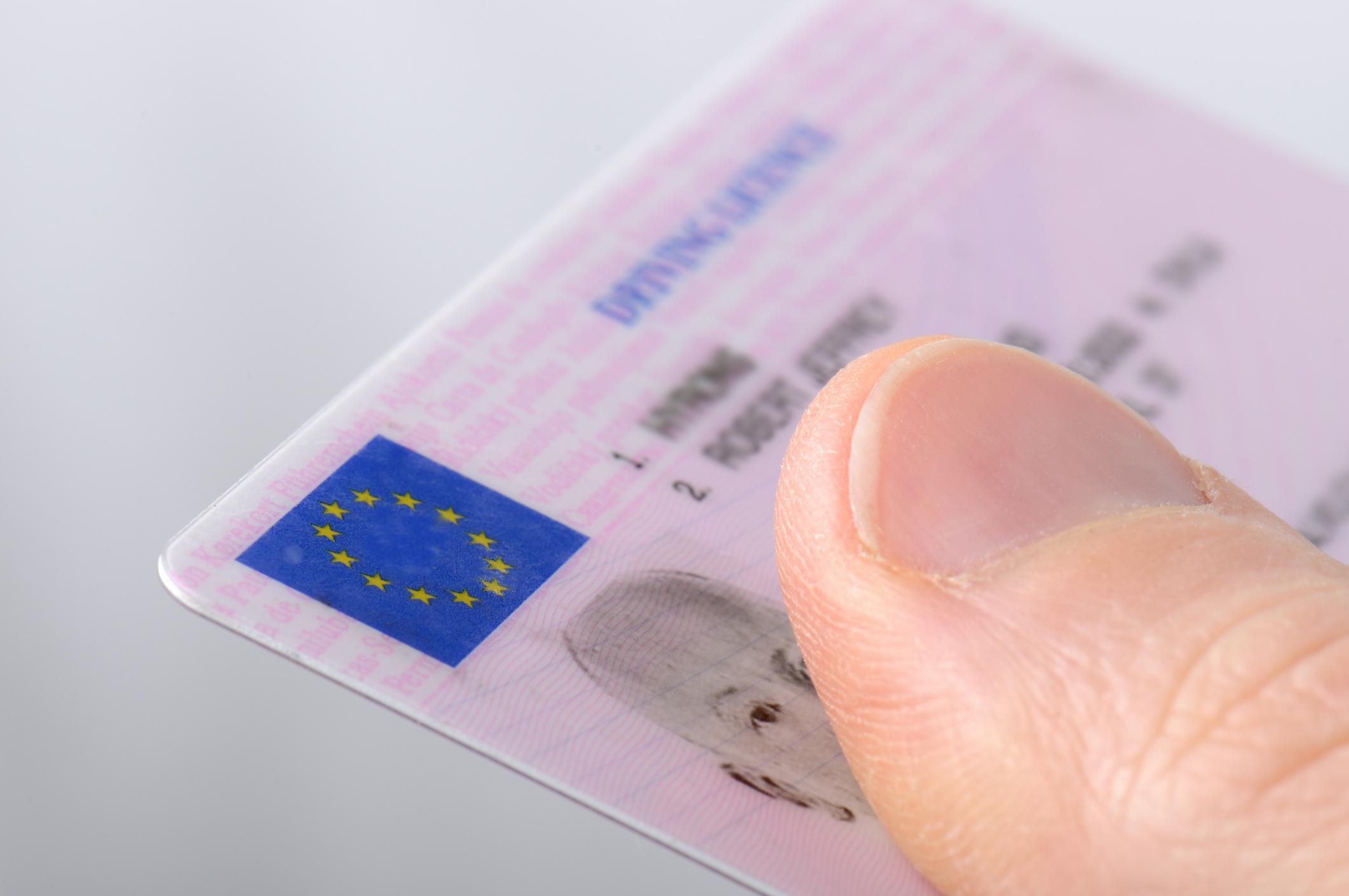 ¿Se puede renovar el carnet de conducir durante la desescalada?   Actualidad   Motor EL PAÍS