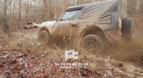El Ford Bronco muestra todo su potencial en el barro