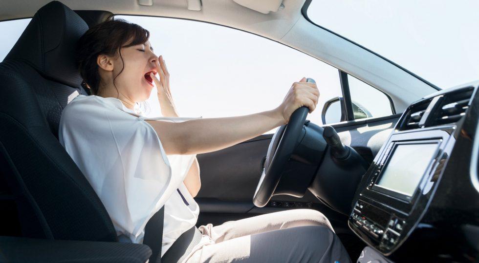 El peligro de este verano: conducir más y descansar menos