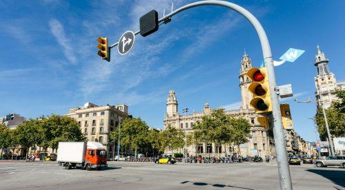 ¿Debes saltarte un semáforo para dejar paso a una ambulancia?