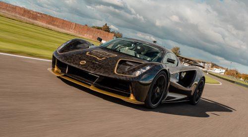 El Lotus Evija de 2.000 CV lo da todo en el circuito de Goodwood