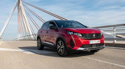Peugeot 3008 y 5008: nuevo aspecto y más eficiencia para dos líderes