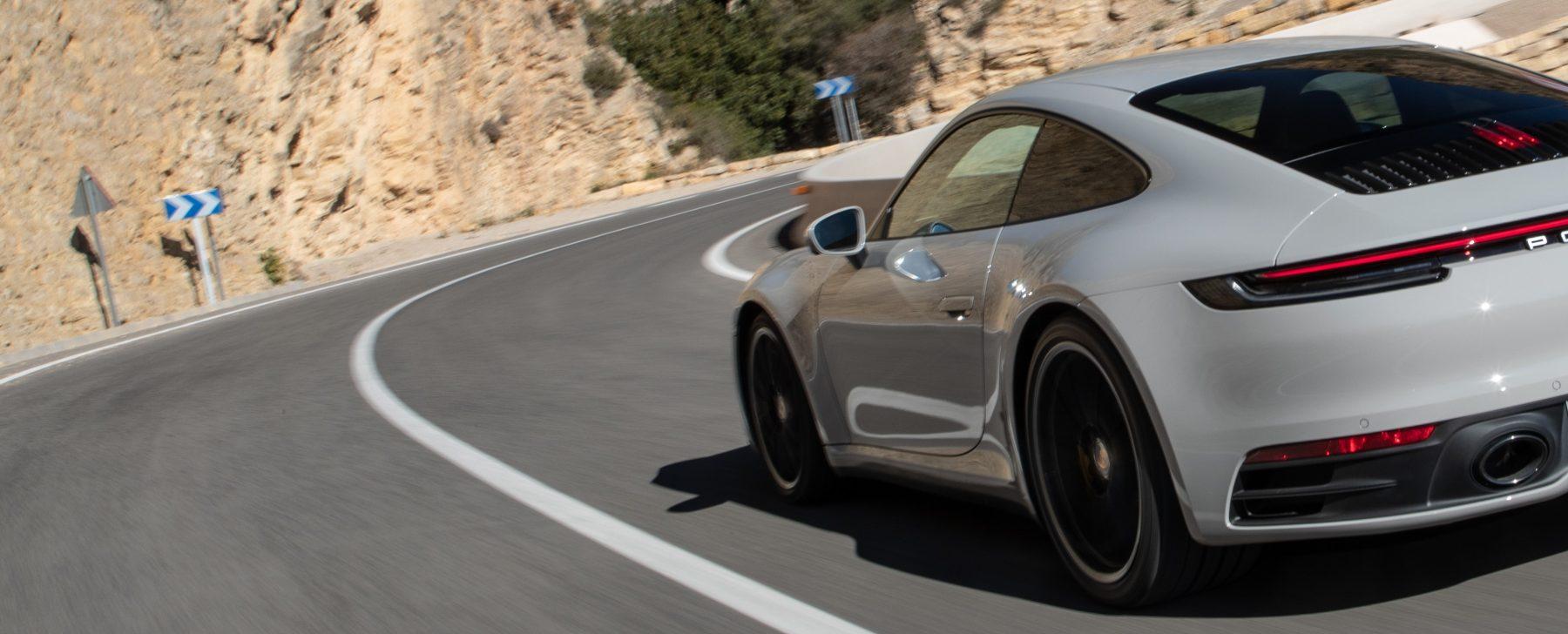 ¿Puede un deportivo de 450 CV gastar menos que un SUV híbrido?