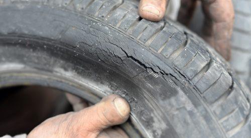 Los defectos graves de los neumáticos que más se repiten en la ITV
