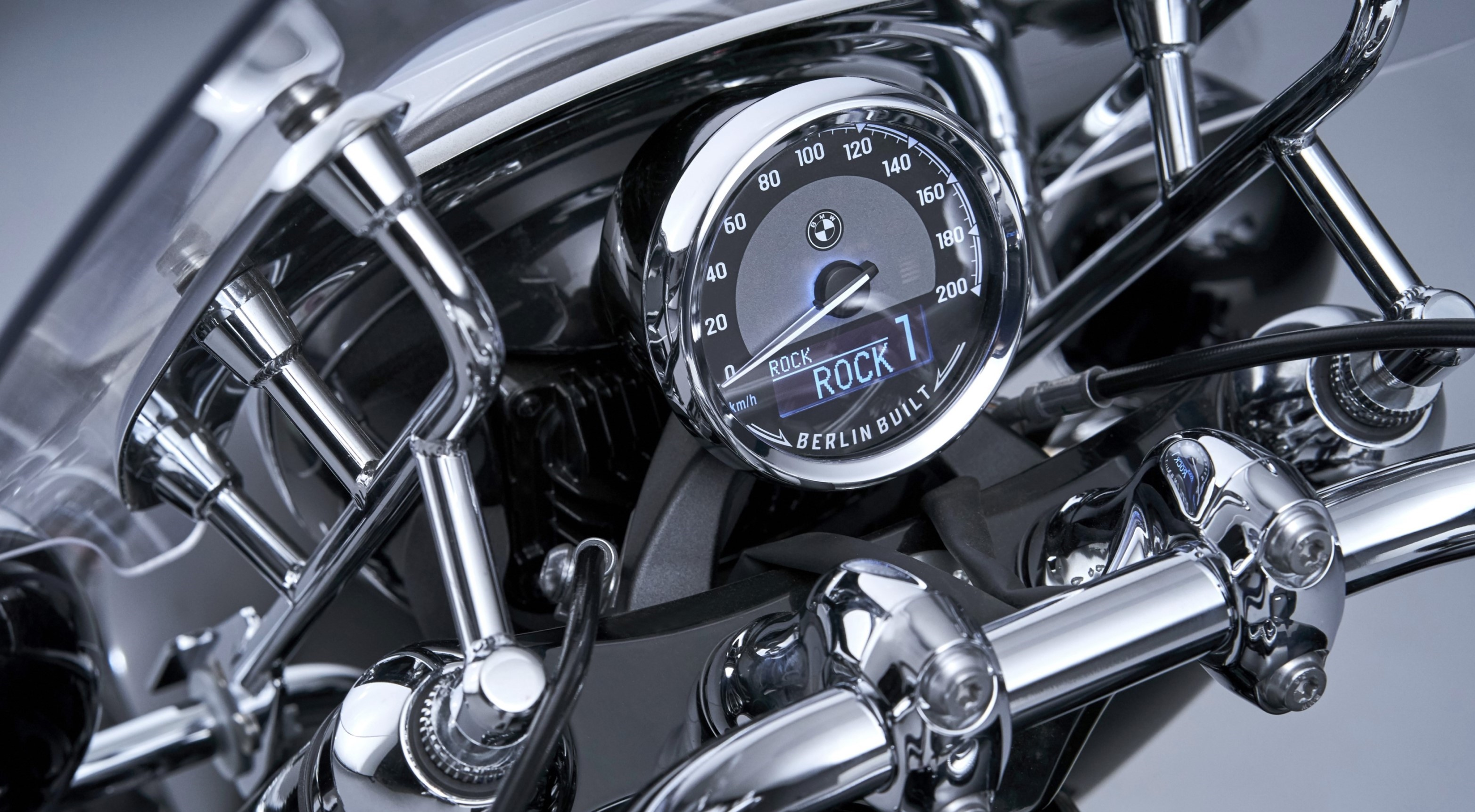 BMW R 18: An atypical motorcycle, American style | Motorcycles