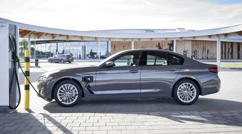 BMW lanza los híbridos enchufables de acceso de los Serie 3 y Serie 5