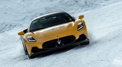 Maserati MC20: el superdeportivo que también rinde en la nieve