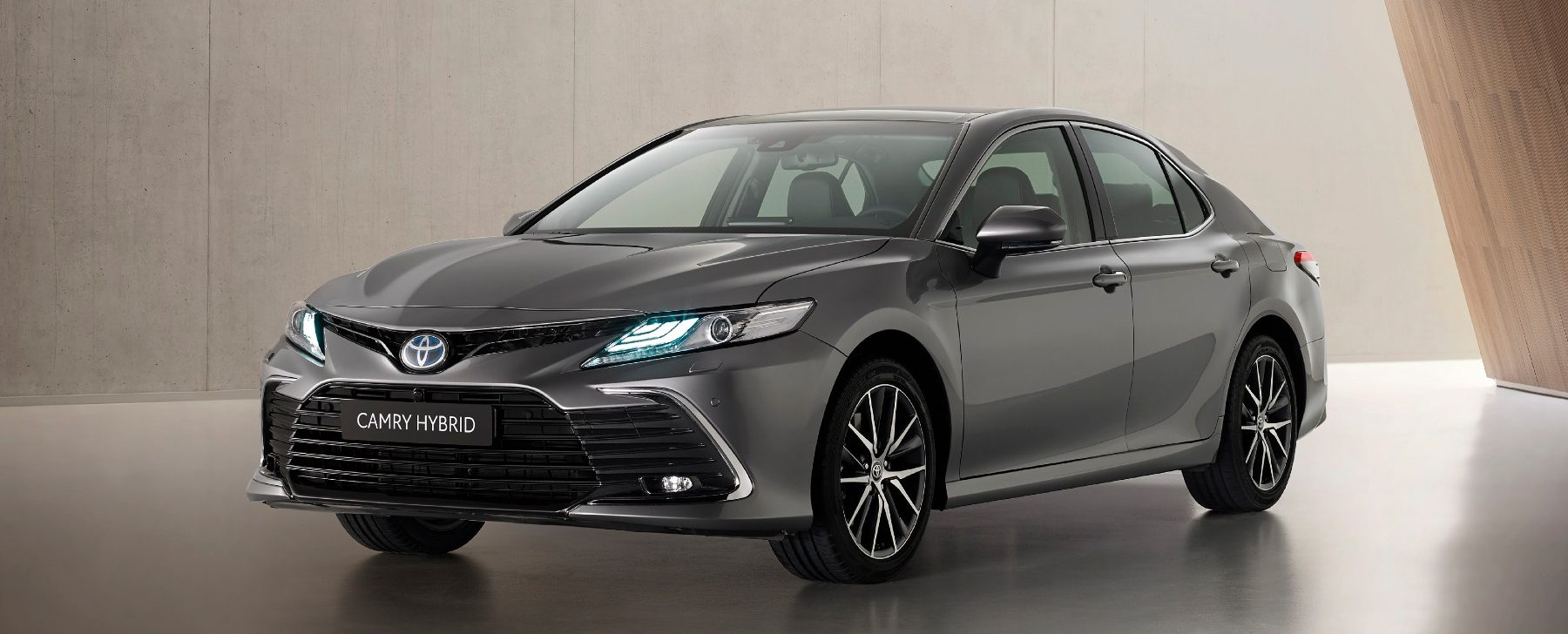 Toyota Camry precio