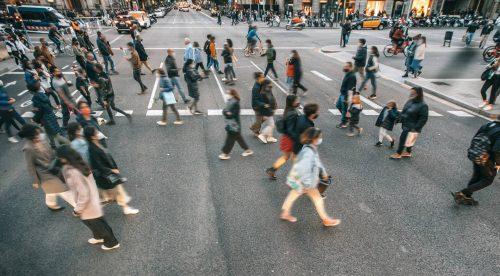 Seis errores en un paso de peatones que pueden costar hasta 200 euros