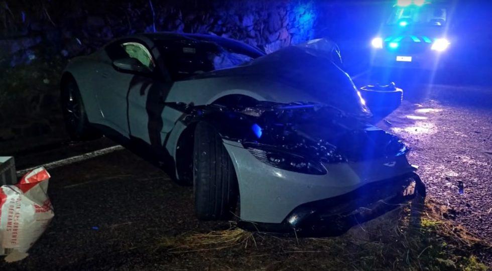 Salva Aston Martin