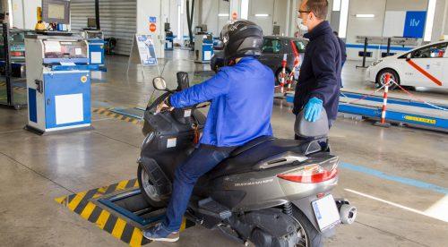 Más de la mitad de las motos circulan con la ITV caducada