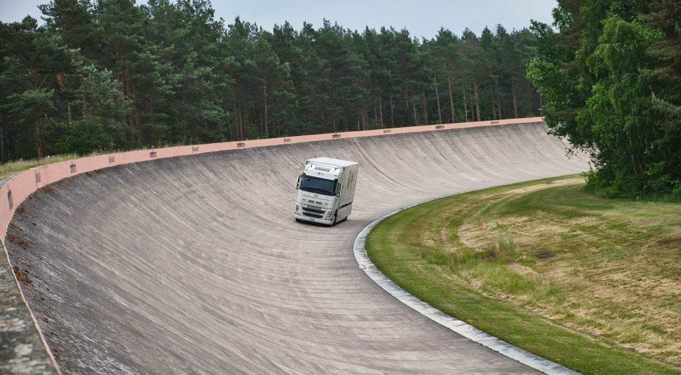El último récord: un camión eléctrico recorre 1.100 kilómetros sin recargar