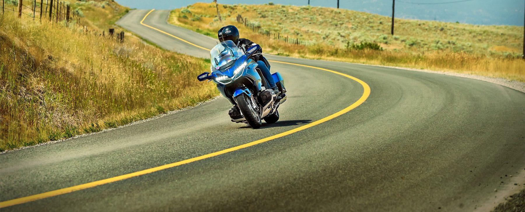 Las motos ofrecen grandes experiencias, que se deben disfrutar con seguridad.