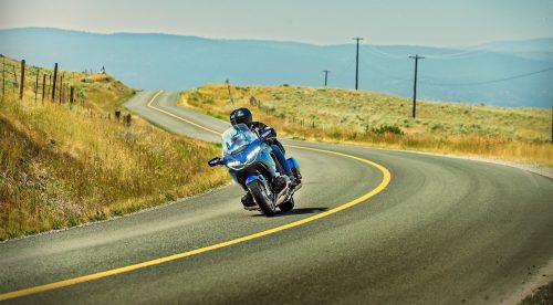 Cinco trucos de experto para circular en moto más seguro