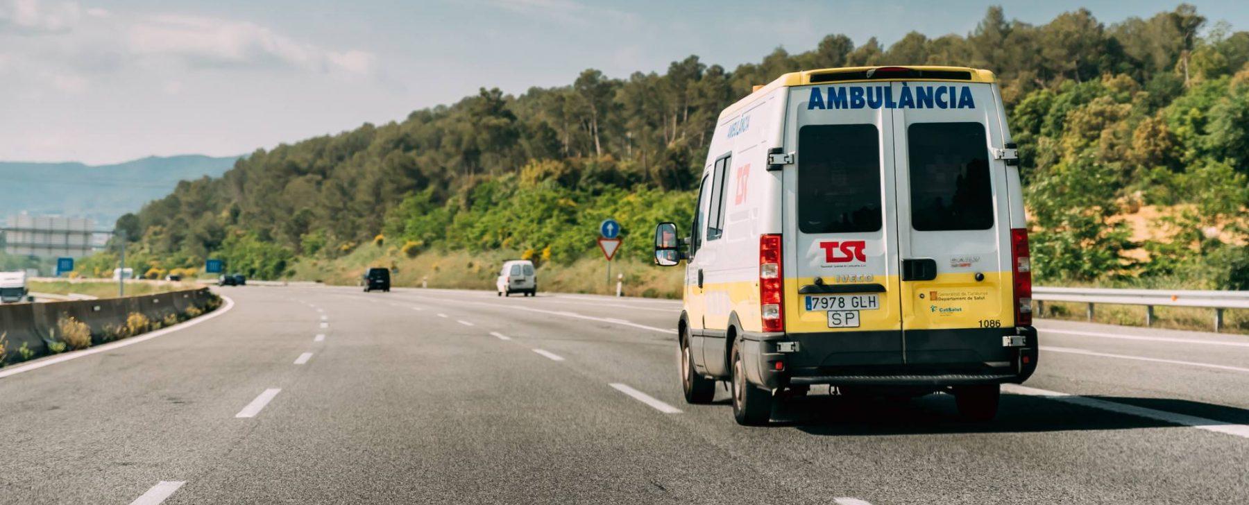 Que hacer cuando pasa una ambulancia