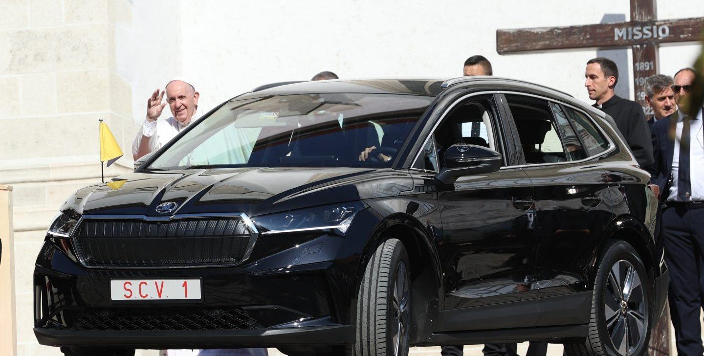 Un Skoda eléctricopara el Papa Francisco