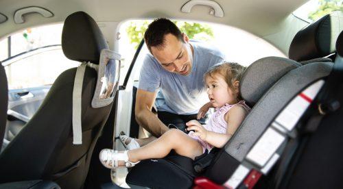 Vuelta al cole: claves para viajar con niños en el coche