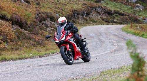 Honda CB 500: prestaciones superiores y comodidad en carretera