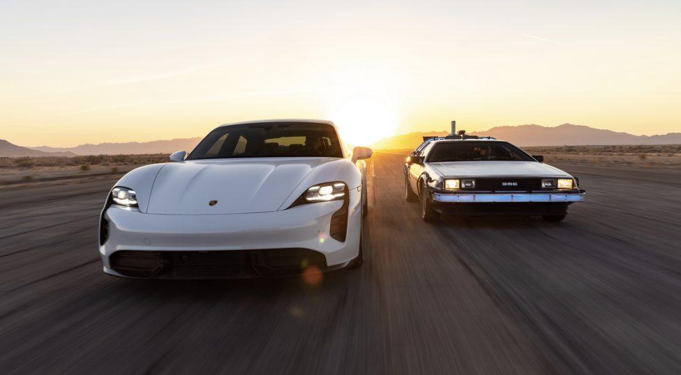 Porsche Taycan y DeLorean