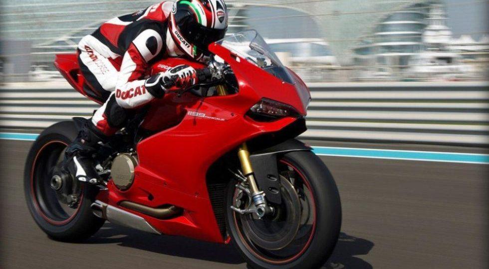 La nueva Ducati Panigale es cara, pero lo vale