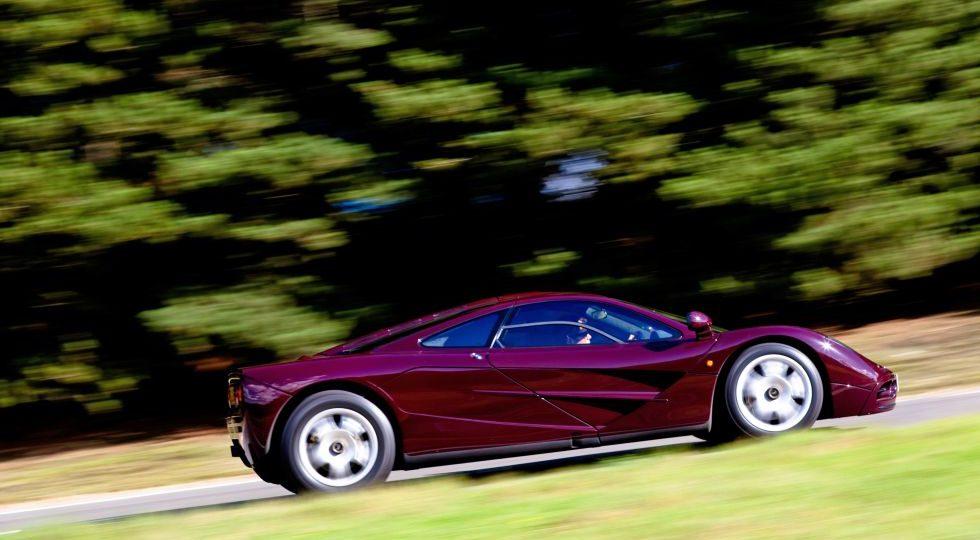 10. McLaren F1 // 386 km/h