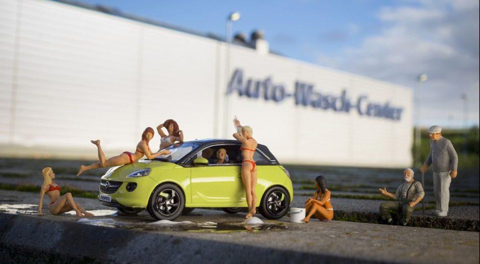 Opel presenta las novedades del Adam para 2014 en miniatura