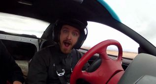 El entrenamiento de Aaron Paul para Need For Speed