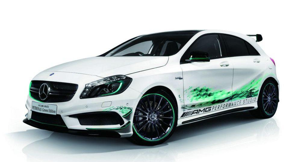 Mercedes lanza el A45 AMG Petronas Green Edition