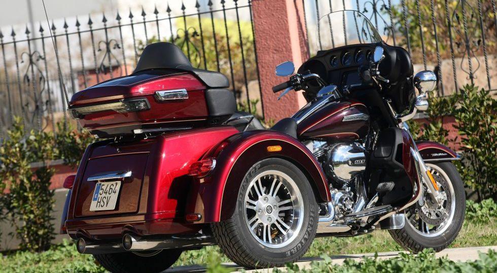 Una Harley-Davidson que se conduce con carné de coche