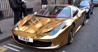 Un Ferrari 458 Spider de oro