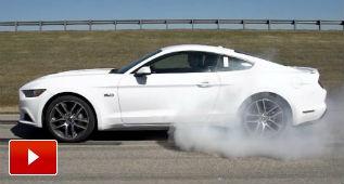 El Mustang quema rueda solo