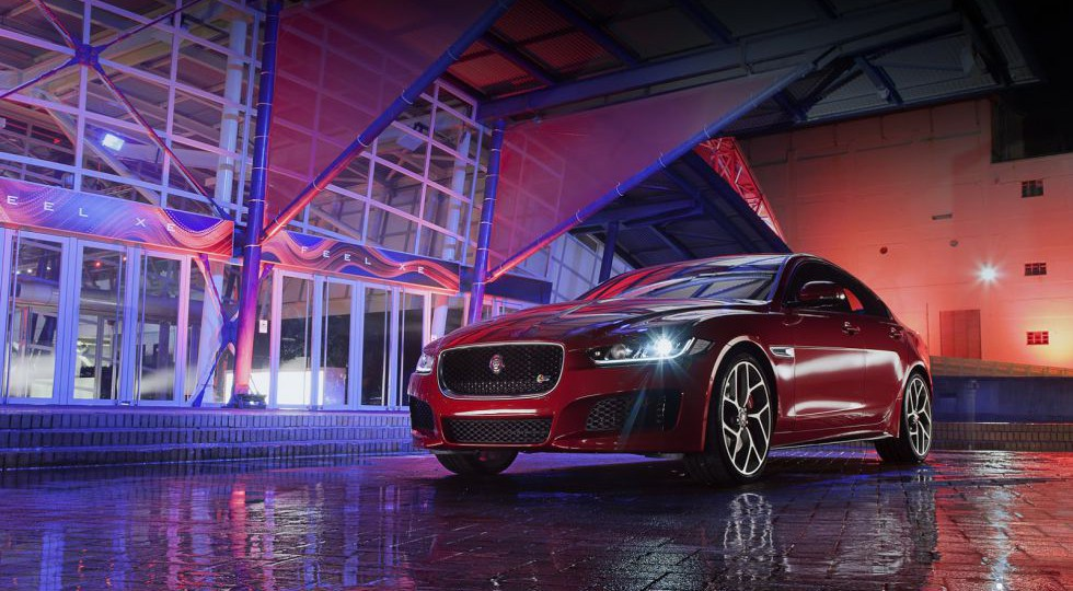 Jaguar XE, berlina 'de acceso'