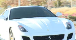Cristiano lució su asombroso Ferrari blanco por Valdebebas