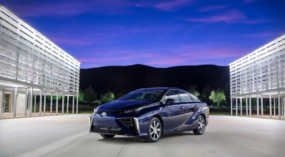 Toyota presenta el Mirai