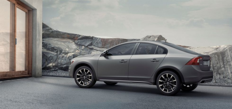 Volvo S60 Cross Country, una berlina todocamino por favor