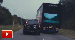 El camión transparente que facilita los adelantamientos