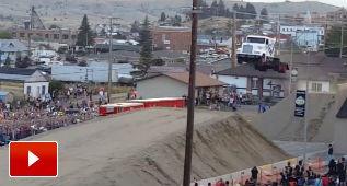 Nuevo récord mundial de salto de longitud en camión