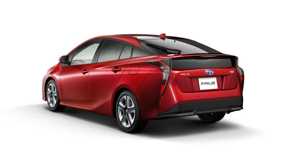 Todos los datos técnicos del Toyota Prius 2016