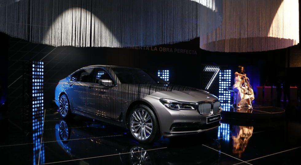 BMW Serie 7, llega el coche que se aparca solo